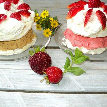 Bezowo - lodowy deser