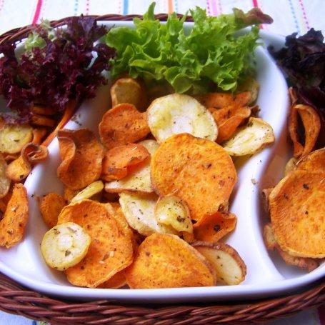 Chipsy z batata , pietruszki i marchewki