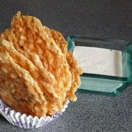 Chipsy z sera z bazylią