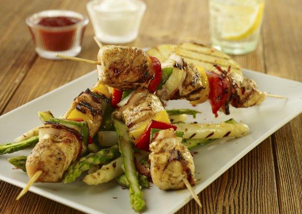 Grill: Szaszłyki po myśliwsku z kurczaka i papryki - Krok po kroku