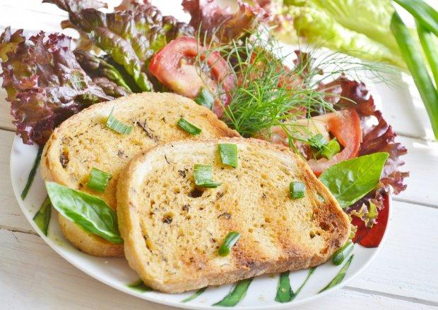Grillowany ziołowy chlebek