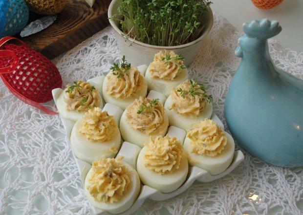 Jajka faszerowane lazurem i makrelą z kremówką
