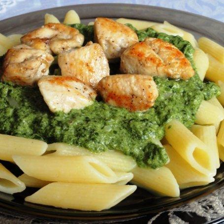 Makaron ze szpinakiem i kurczakiem