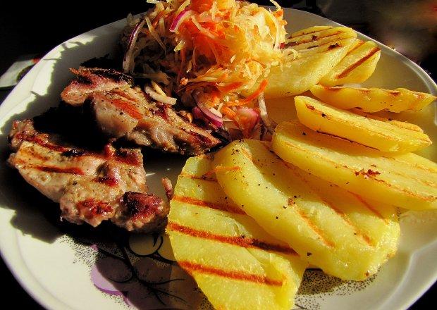 Marynowana karkówka i ziemniaczki z grilla