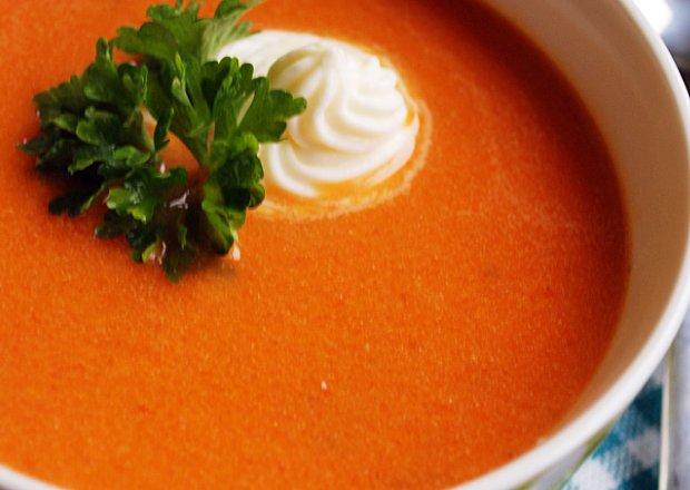 Aksamitna zupa krem pomidorowa
