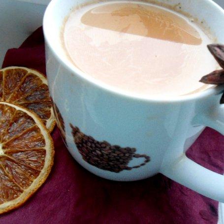 Mocno rozgrzewająca herbata Masala z syropem waniliowym