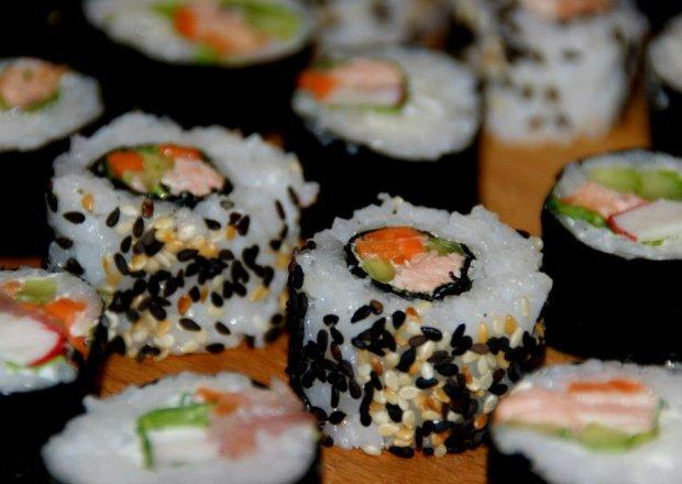 Sushi maki i california maki.