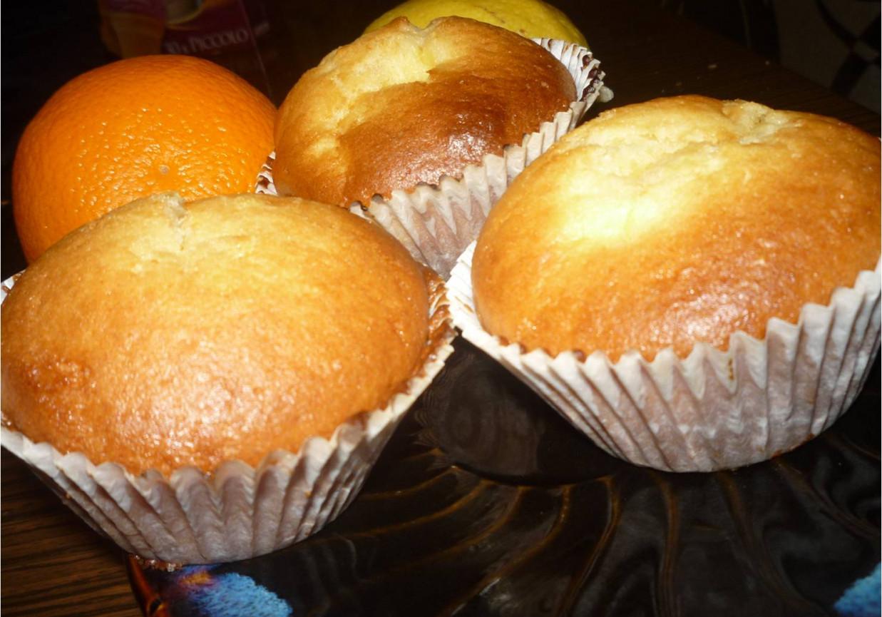 Szybkie i dobre muffiny z budyniem foto