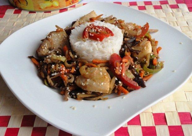 Warzywa po chińsku z rybą