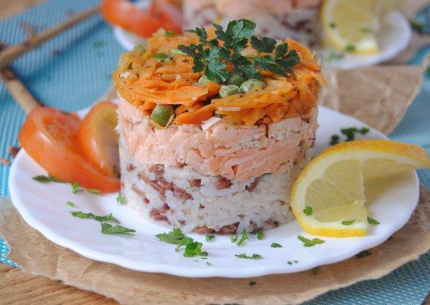 Wieżyczki ryżowe z łososiem