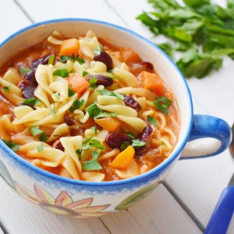 Włoska pomidorówka z fasolą